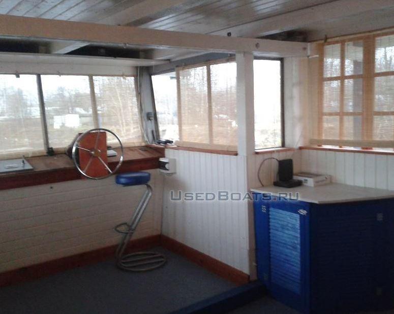 траулерная яхта интерьер.JPG